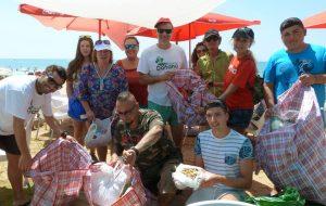 Recogida plásticos+reparto junto a PALP @ Barriada de Canela  | Ayamonte | Andalucía | España