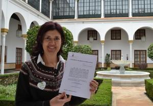 Carmen Molina Cañadas tras recoger su acta de diputada en el Parlamento de Andalucía