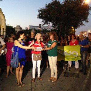 Nuestra coportavoz, Isabel Brito, da lectura al manifiesto Salvemos Doñana.