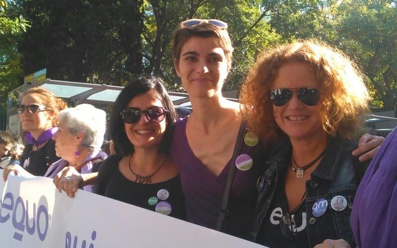 Rosa MArtínez, Mar Oliver y Laura Frost en la marcha 7N