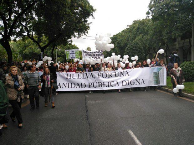Manifestación por una sanidad digna en Huelva.