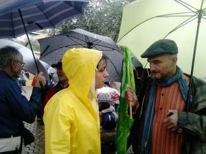 Esteban de Manuel, coportavoz de EQUO en Sevilla participando en una manifestación contra la pobreza y contra el TTIP