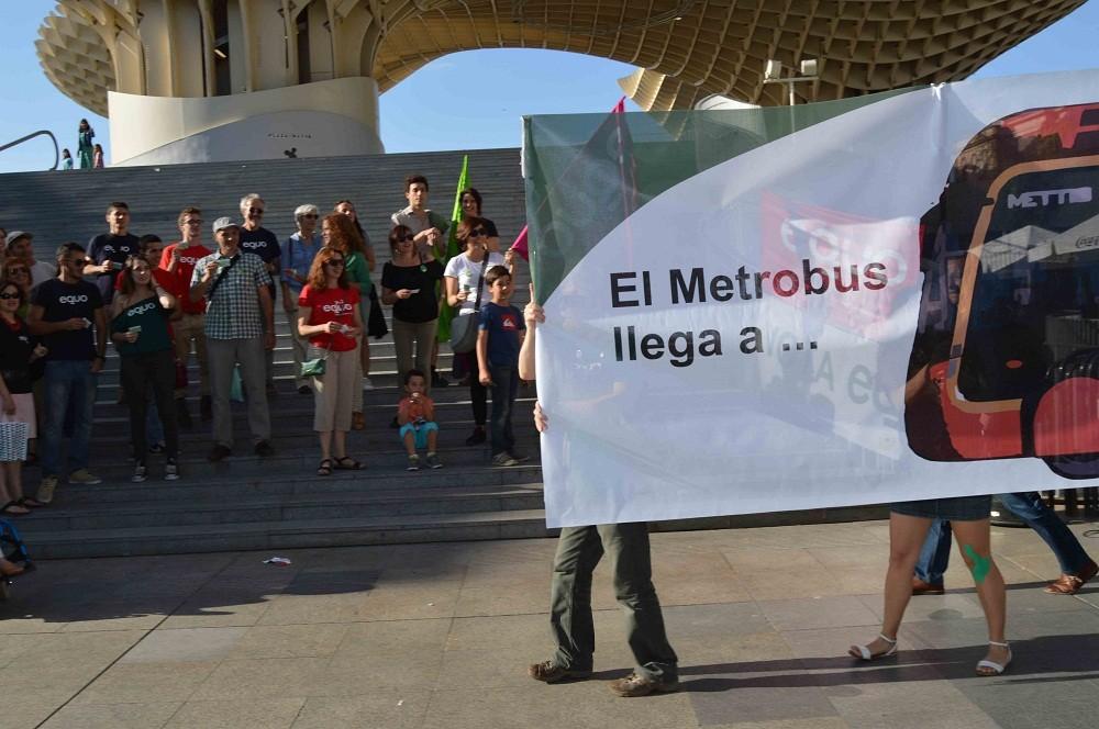 Llegando el metrobus con EQUO a Sevilla