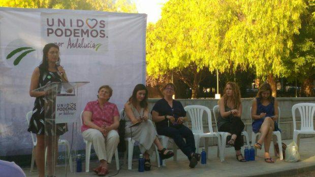 Carmen Molina durante su intervención en Granada.
