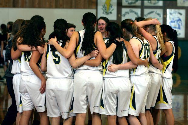 Imagen de archivo de un equipo de baloncesto femenino.