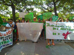 Pancartas concentración Educación