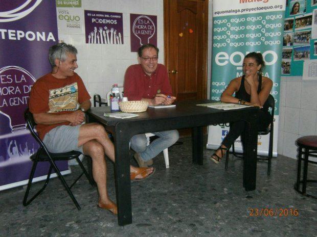 Francisco Soler durante elencuentro con simpatizantes en Estepona.