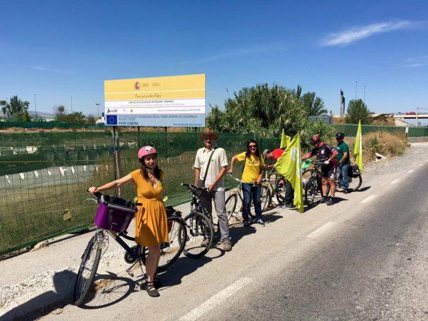 Nuestra gente en bici en Granada.