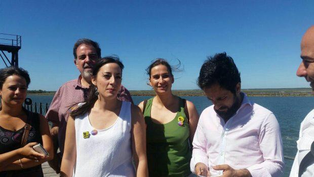 Laura Limón en la rueda de prensa de la coalición en Huelva.