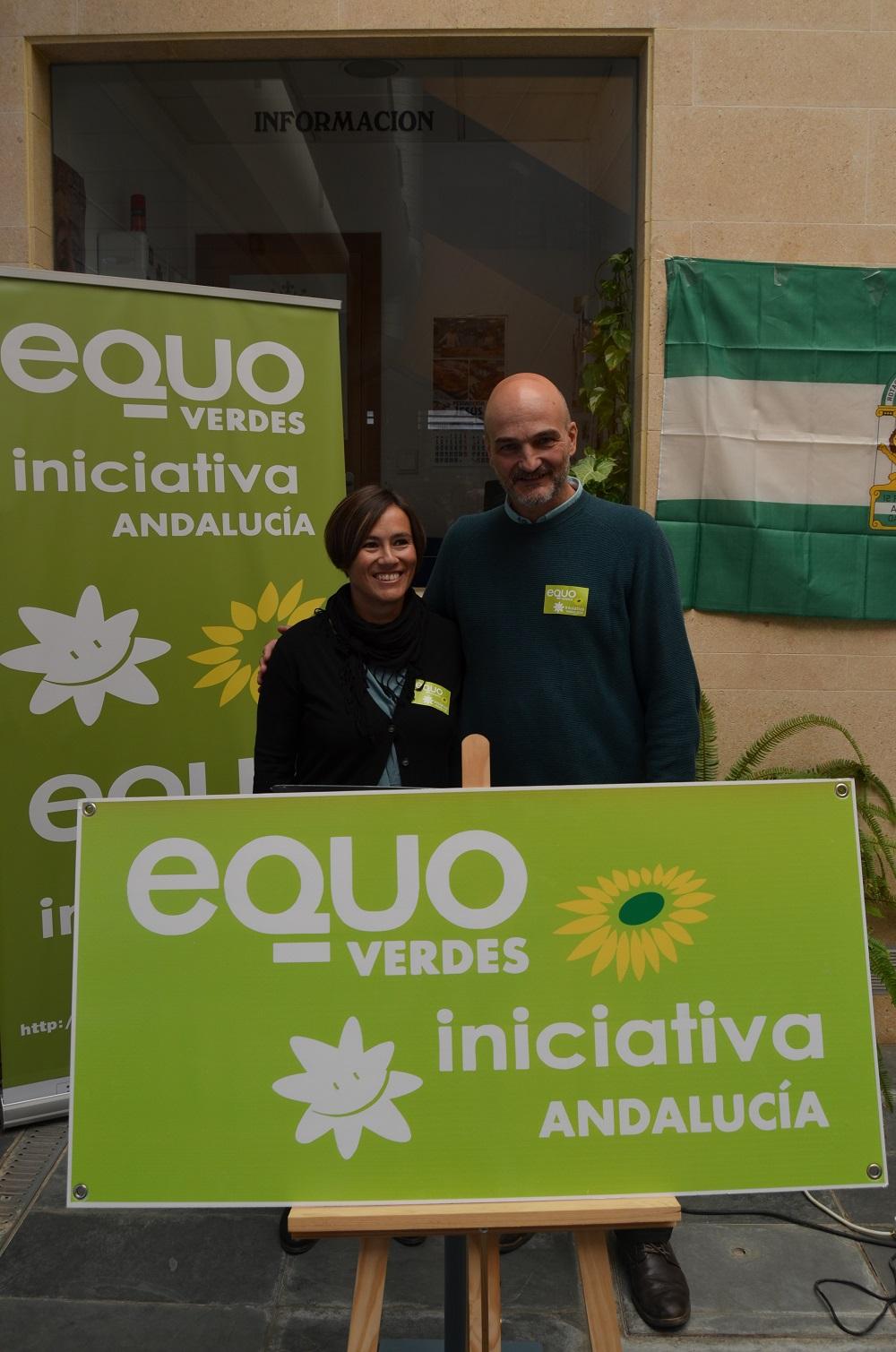 Foto de Inma del Pino y Esteban de Manuel en Herrera, presentando EQUO VERDES - INICIATIVA ANDALUCÍA