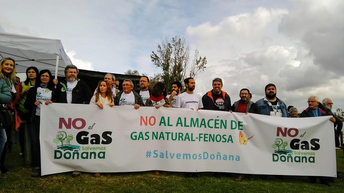 Cabecera de la pancarta Doñana sin Gas