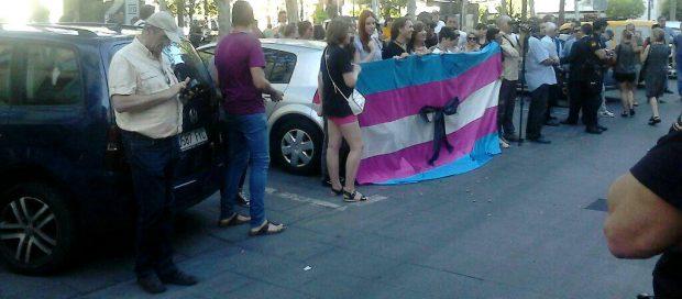 Concentración en la que hemos participado en Sevilla rechazando el atentado de Orlando.
