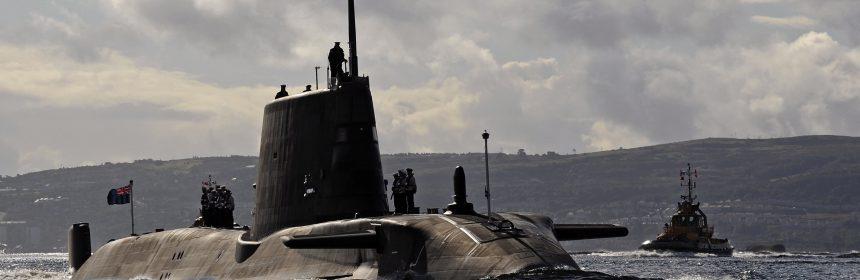 El submarino que ha chocado en aguas del Estrecho.