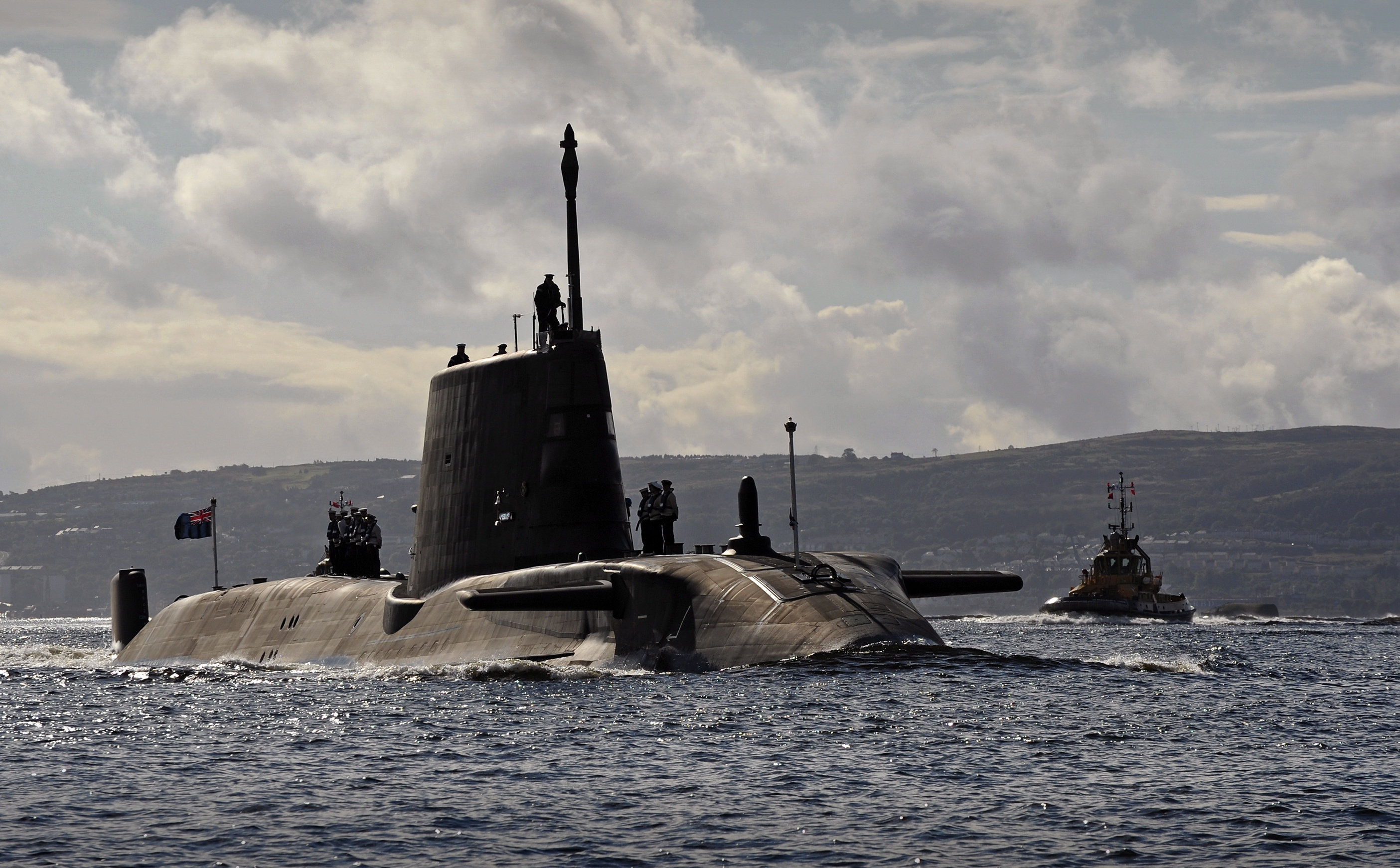 Submarino nuclear en aguas del Estrecho.