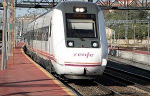 Carmen Molina vuelve a reivindicar en el Parlamento la conexión ferroviaria del oeste peninsular